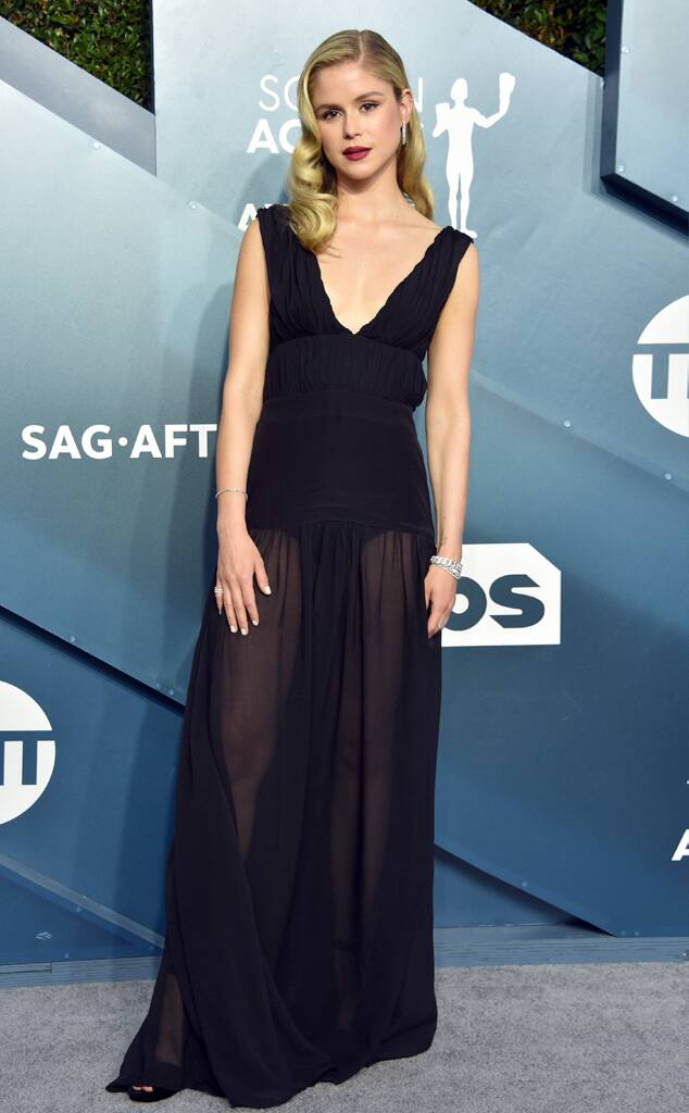 rs_634x1024-200119165335-634-2020-SAG-Awards-red-carpet-fashions-erin-moriarty.cm.11920